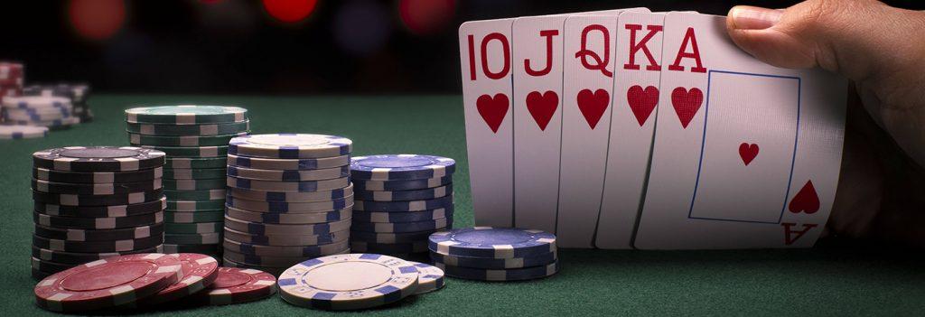 Playing Online Poker Gambling For Online Rewards